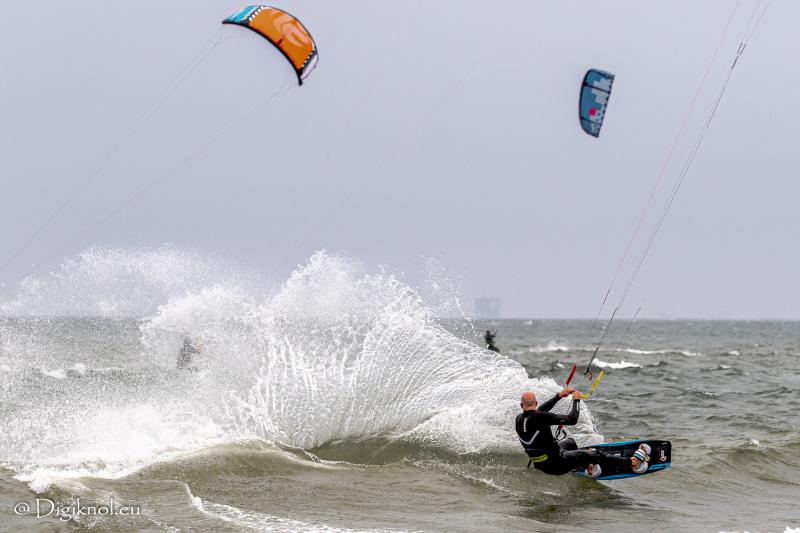 200522-Surf-Scheveningen-1041