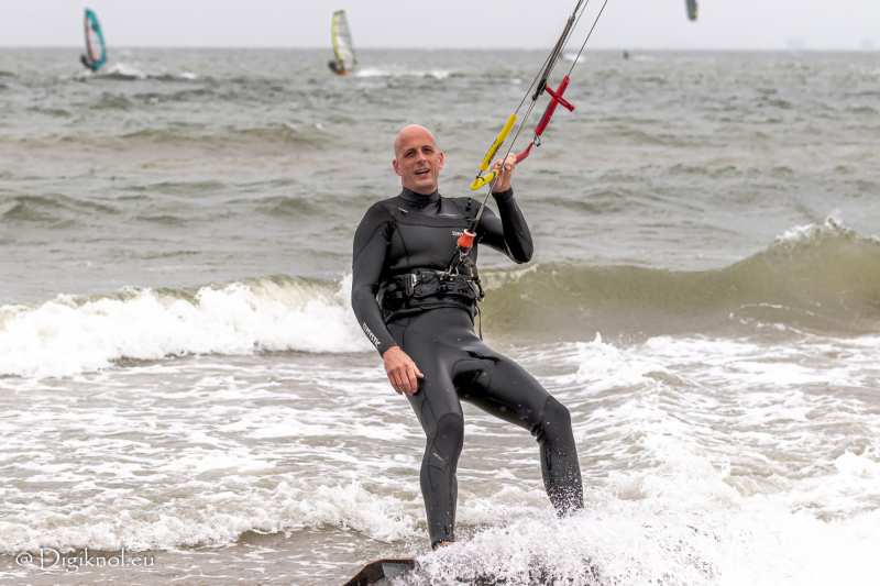 200522-Surf-Scheveningen-1147