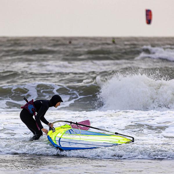 201121-Schevenigen-Surfing-0093