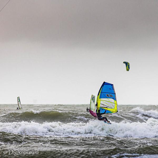 201121-Schevenigen-Surfing-0123