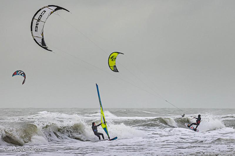 201121-Schevenigen-Surfing-0399