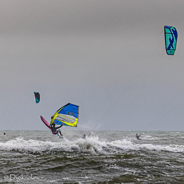201121-Schevenigen-Surfing-0439