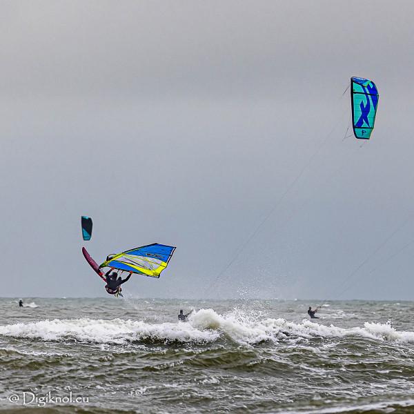 201121-Schevenigen-Surfing-0442