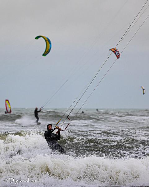 201121-Schevenigen-Surfing-0477