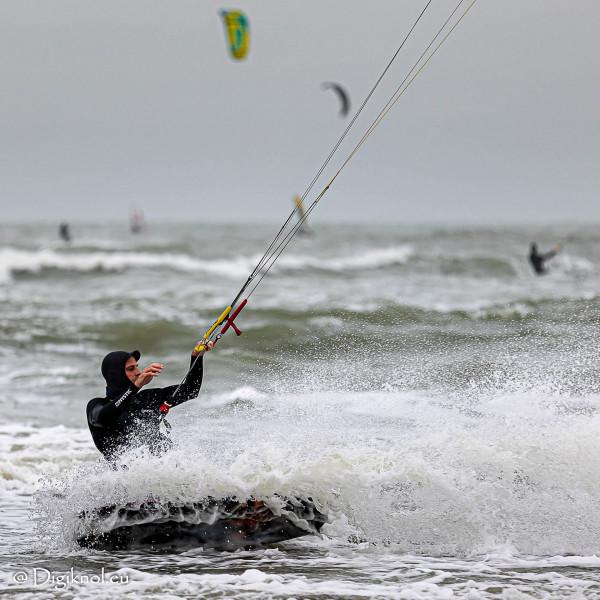 201121-Schevenigen-Surfing-0506