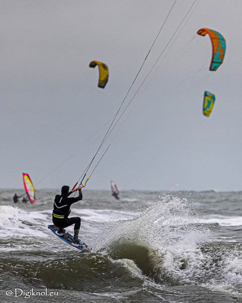 201121-Schevenigen-Surfing-0519