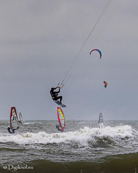 201121-Schevenigen-Surfing-0542