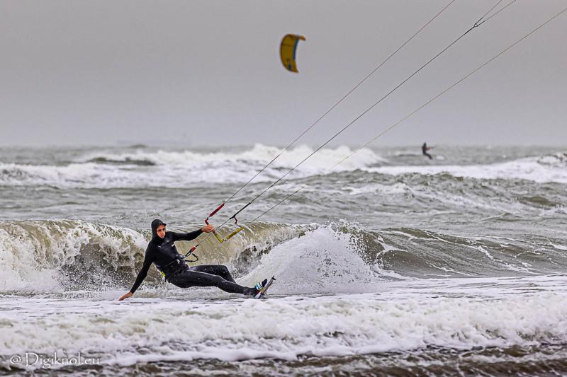 201121-Schevenigen-Surfing-0604