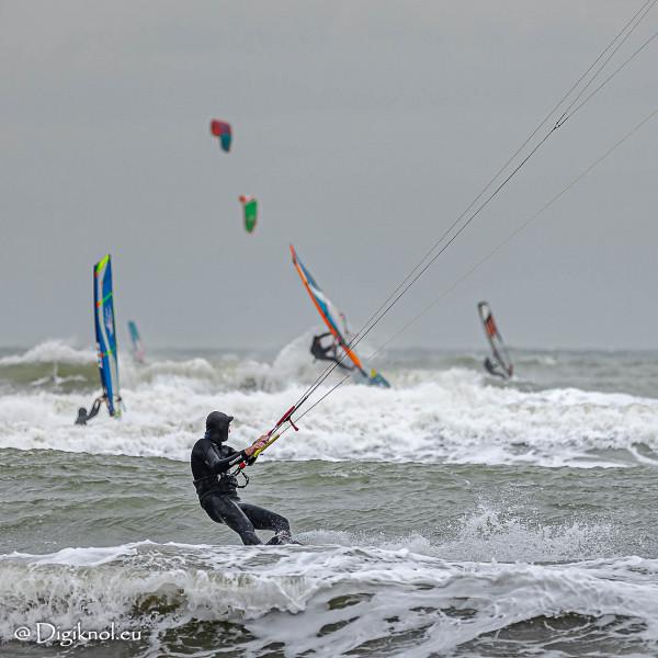 201121-Schevenigen-Surfing-1178