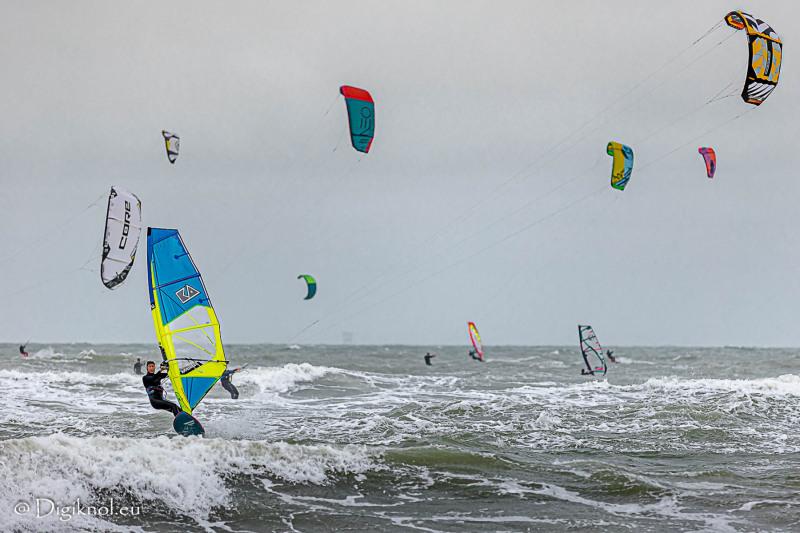 201121-Schevenigen-Surfing-1422