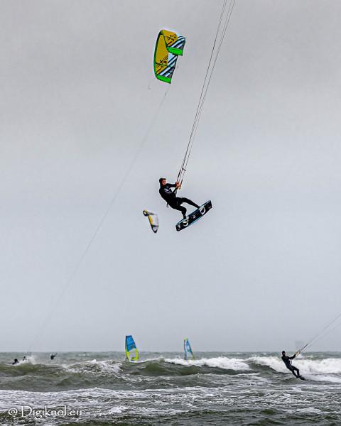 201121-Schevenigen-Surfing-1636