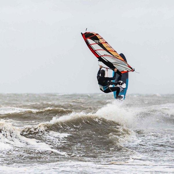 210504-Surfing-Scheveningen-0076