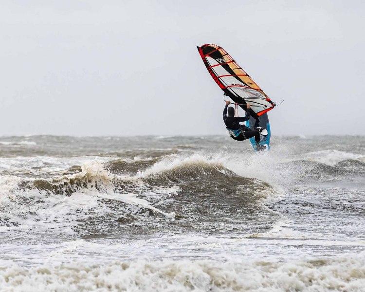 210504-Surfing-Scheveningen-0078