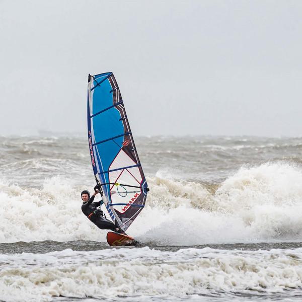 210504-Surfing-Scheveningen-0258