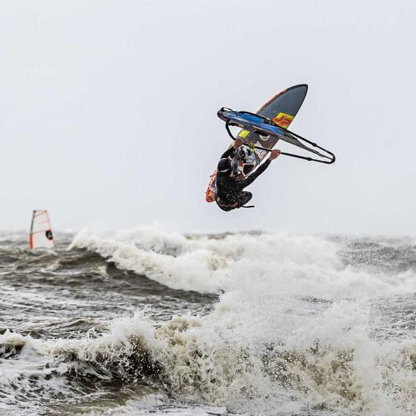 210504-Surfing-Scheveningen-0823