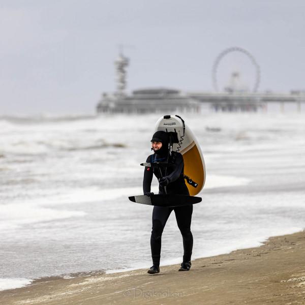 210504-Surfing-Scheveningen-0843