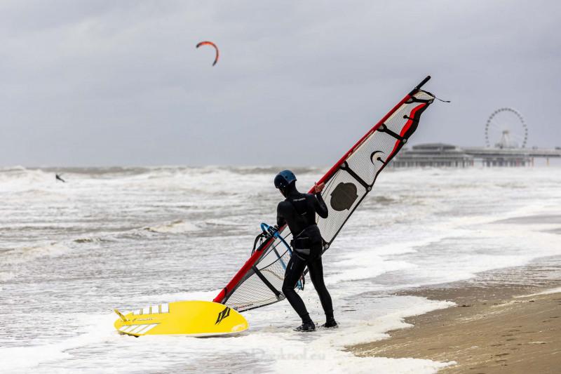 210504-Surfing-Scheveningen-0873